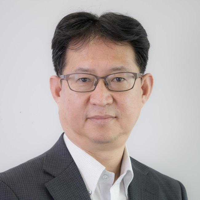 岩本 隆氏