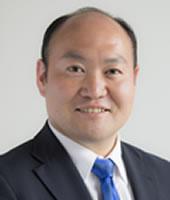 山口恵介氏