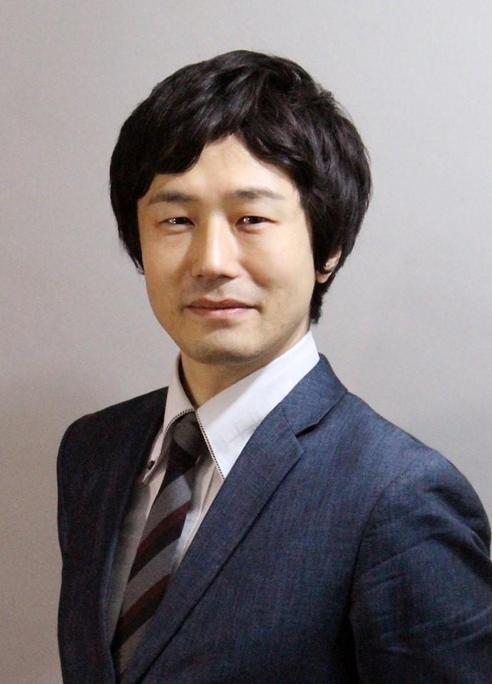 高橋 興史氏