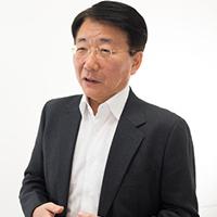 松丘 啓司氏