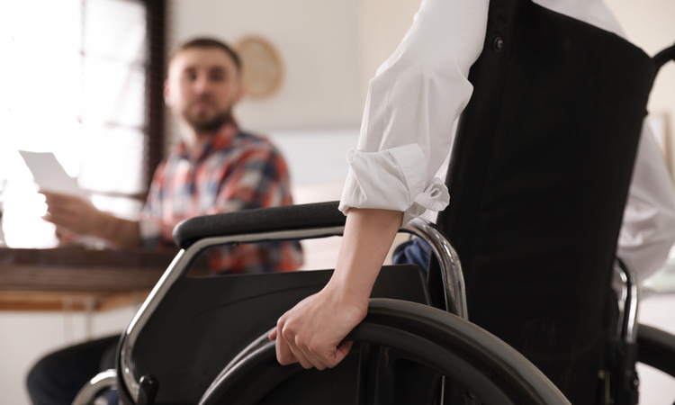 身体障がい(肢体不自由・内部障がい)の特徴と職場でできる配慮とは?