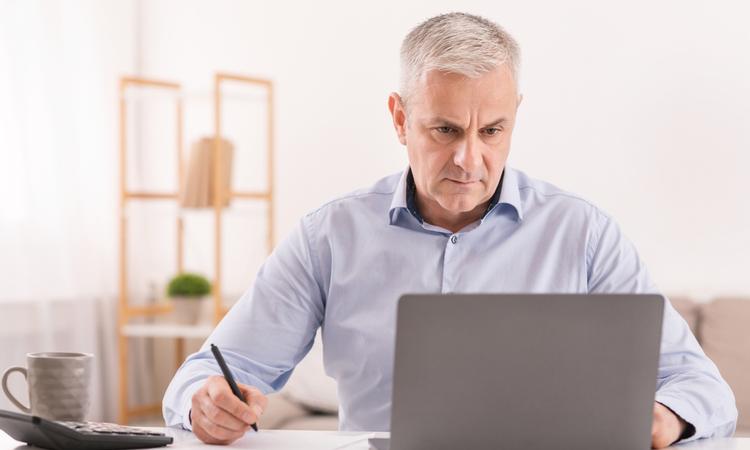 """「改正高年齢者雇用安定法」で70歳までの""""継続雇用社会""""が実現、トラブル回避のために注意すべきポイントとは"""